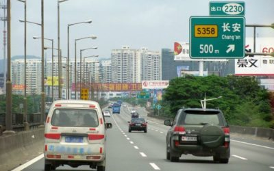 China interzice masinile autonome pe autostrazi