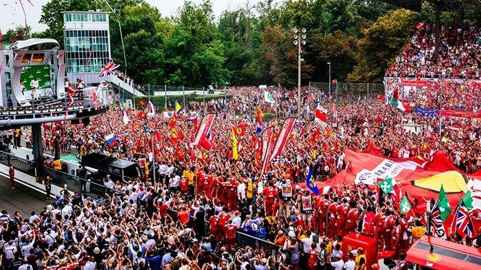 Echipa Ferrari pe podium la GP-ul italian – locul 3 Seb si locul 4 Kimi